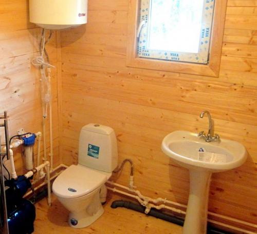 Канализация под унитаз в частном доме. Как сделать туалет в частном доме