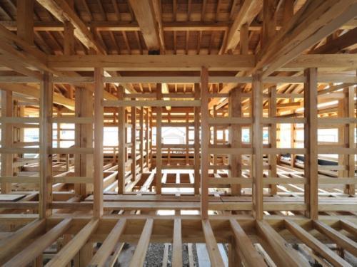 Балки в деревянном доме. Перекрытия досками 200 на 50 и другие ходовые размеры