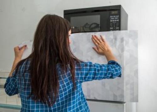 Пленка для оклеивания холодильника. Способы оклеивания холодильника пленкой