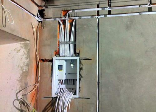 Разводка электропроводки в доме. Необходимые инструменты для работы