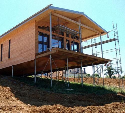 Как построить дом своими руками на сваях. Фундамент дома на винтовых сваях - характеристика и особенности