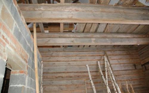 Как утеплить потолок в бане. Цены на пароизоляцию