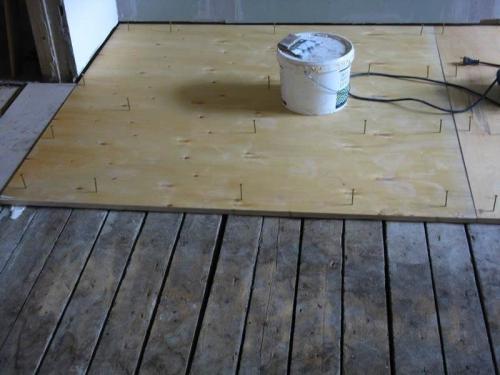 Фанера для покрытия деревянного пола. Выравнивание пола фанерой без лаг