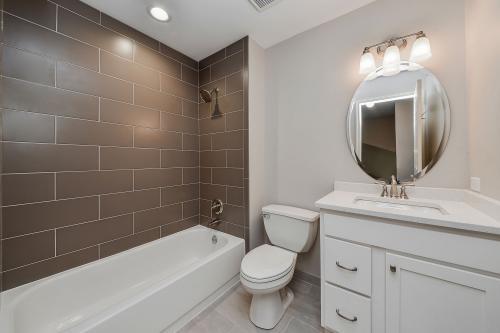 Как сделать бюджетно ремонт в ванной. Экономный ремонт ванной вполне возможный для каждого