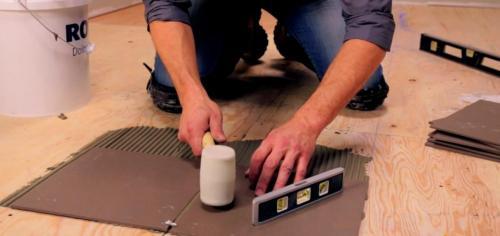 Можно ли на деревянный пол положить плитку в ванной. Можно ли класть плитку на деревянный пол?